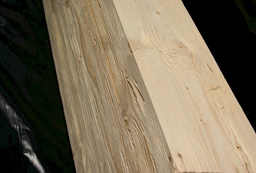 Spruce structural composite lumber, glue-laminated timber, natural, chopped und lightly grinded